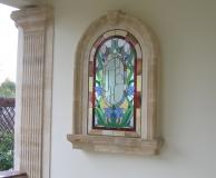 Обрамление витражного окна