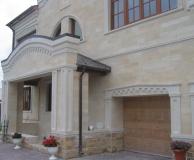 Обрамление фасада дома комбинированное