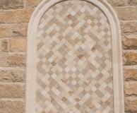 Мозаичное панно в карнизной арке